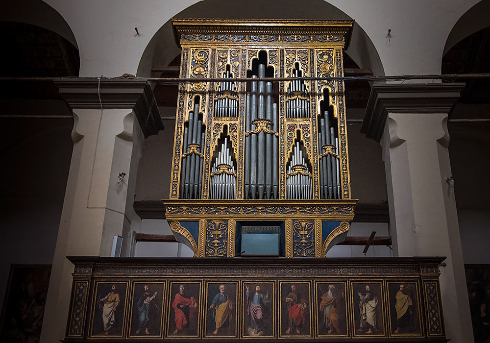 Organ by Antonino La Valle in Chiesa Madre, Colossano