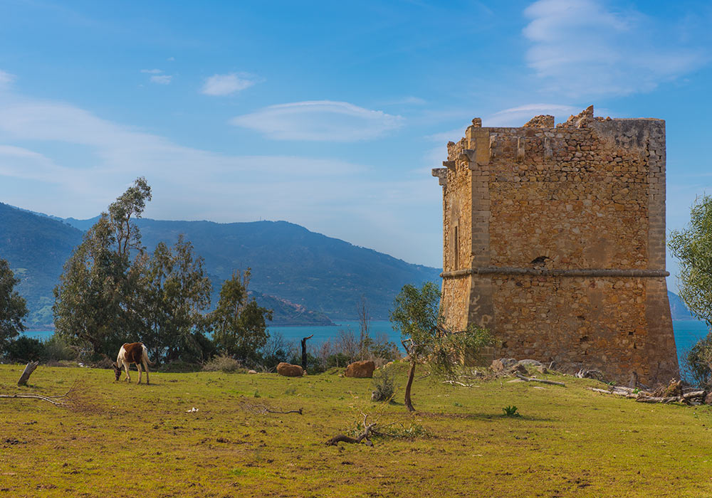 Watch tower, probably 16th century, on SS113 some kilometres from Cefalù, Sicily
