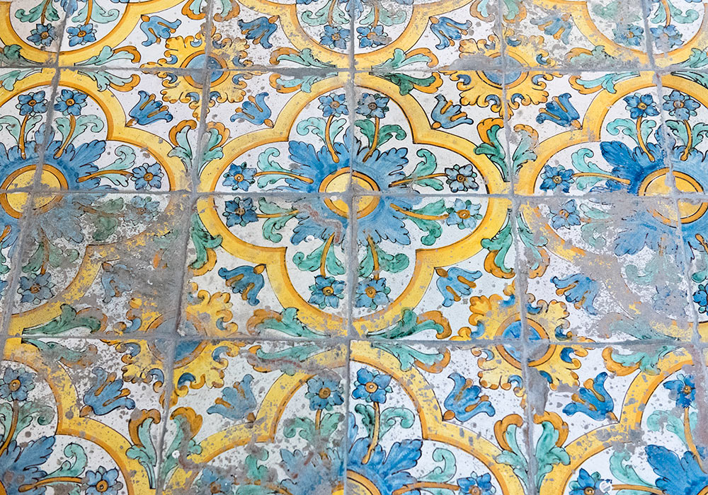 majolica tiles (from Caltagirone) in the church of Santa Chiara