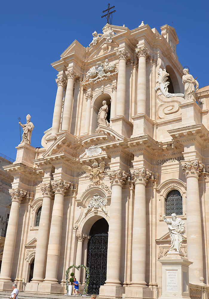 The Cathedral In Syracuse Il Duomo Wonders Of Sicily